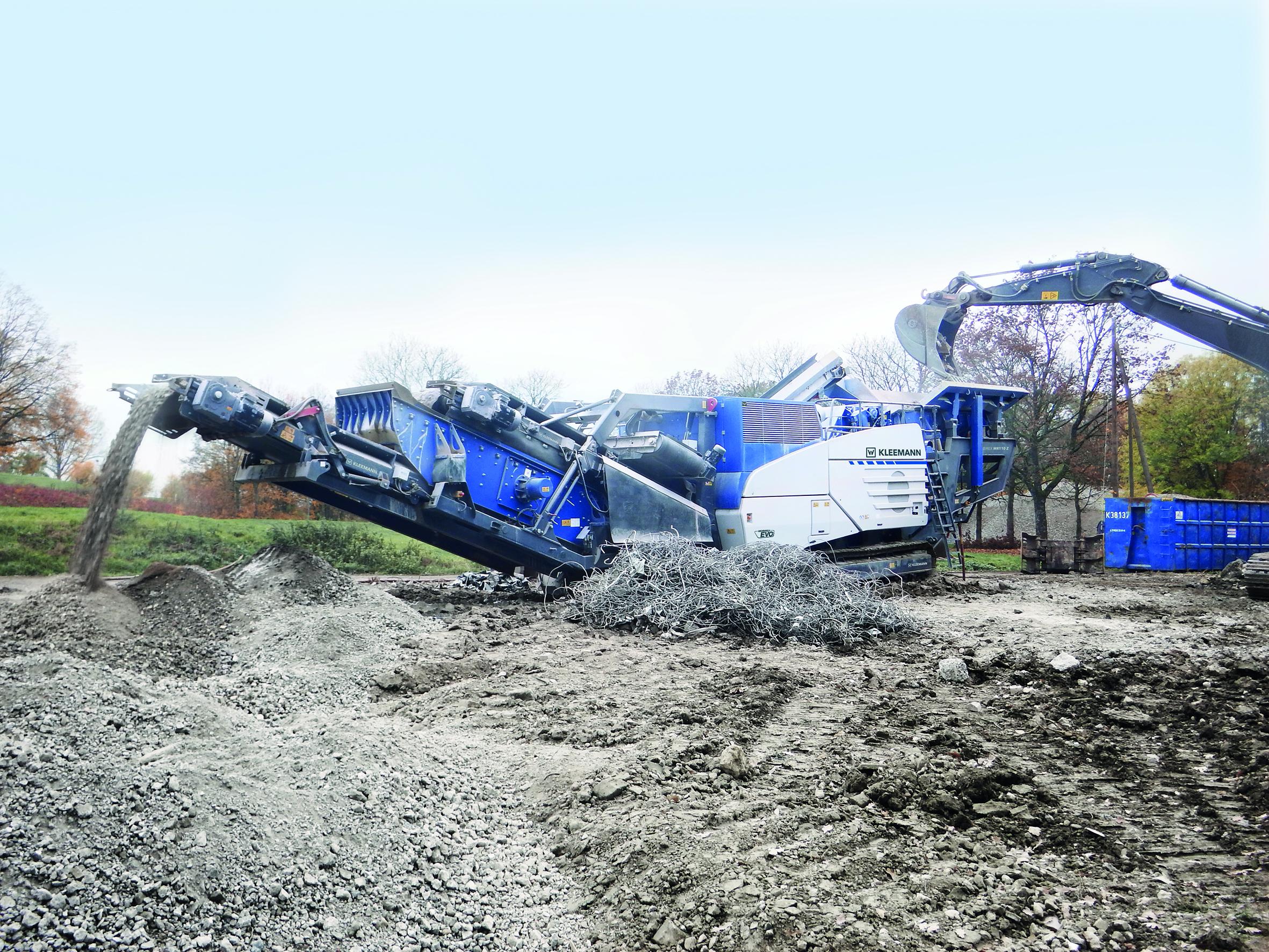 Der mobile KLEEMANN Prallbrecher MOBIREX MR 110 Z EVO2 arbeitet sowohl in Naturstein- als auch Recyclinganwendungen effizient.
