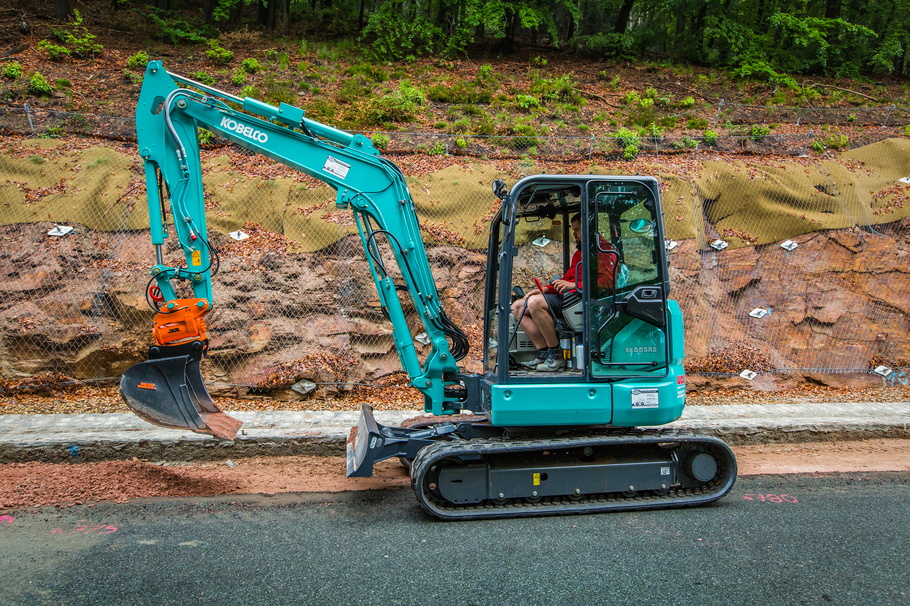 New SK45SRX-6 complements existing line-up of Kobelco Short Radius