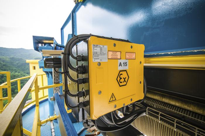 Explosionsgeschützte Schaltkästen werden von den Krantechnik-Experten in Künzelsau ausgelegt und für Krananlagen auf der ganzen Welt gefertigt.