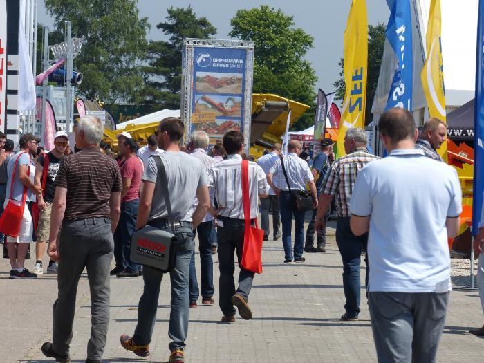 Mit einem Besucherrekord fand vom 11. bis 13. Juni 2015 die Doppelmesse recycling aktiv/Tiefbaulive 2015 auf dem Baden-Airpark statt.