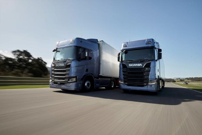 Die neue Lkw-Generation von Scania ist das Ergebnis von zehn Jahren Entwicklungsarbeit. Sie wartet mit den allerneuesten Entwicklungen in der Fahrzeugtechnik für schwere Nutzfahrzeuge auf. In Kombination mit vernetzten Diensten kann Scania jedem Transportunternehmer allerbeste Gesamtwirtschaftlichkeit bieten.
