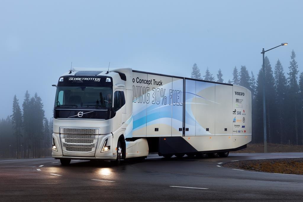 Durch die Kombination aus Hybridantrieb und Verbesserungen in Sachen Aerodynamik, Abrollwiderstand und Gewichtsreduzierung kann das Volvo Konzeptfahrzeug die Verbrauchs- und Emissionswerte um ca. 30 Prozent reduzieren.