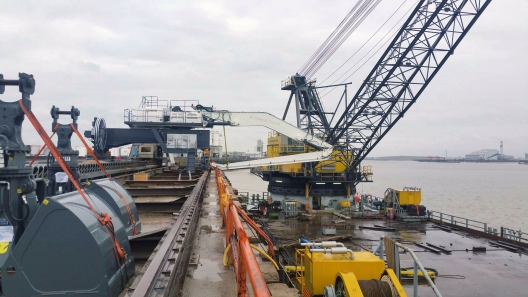 Plug and play solution for 93 tonne port crane