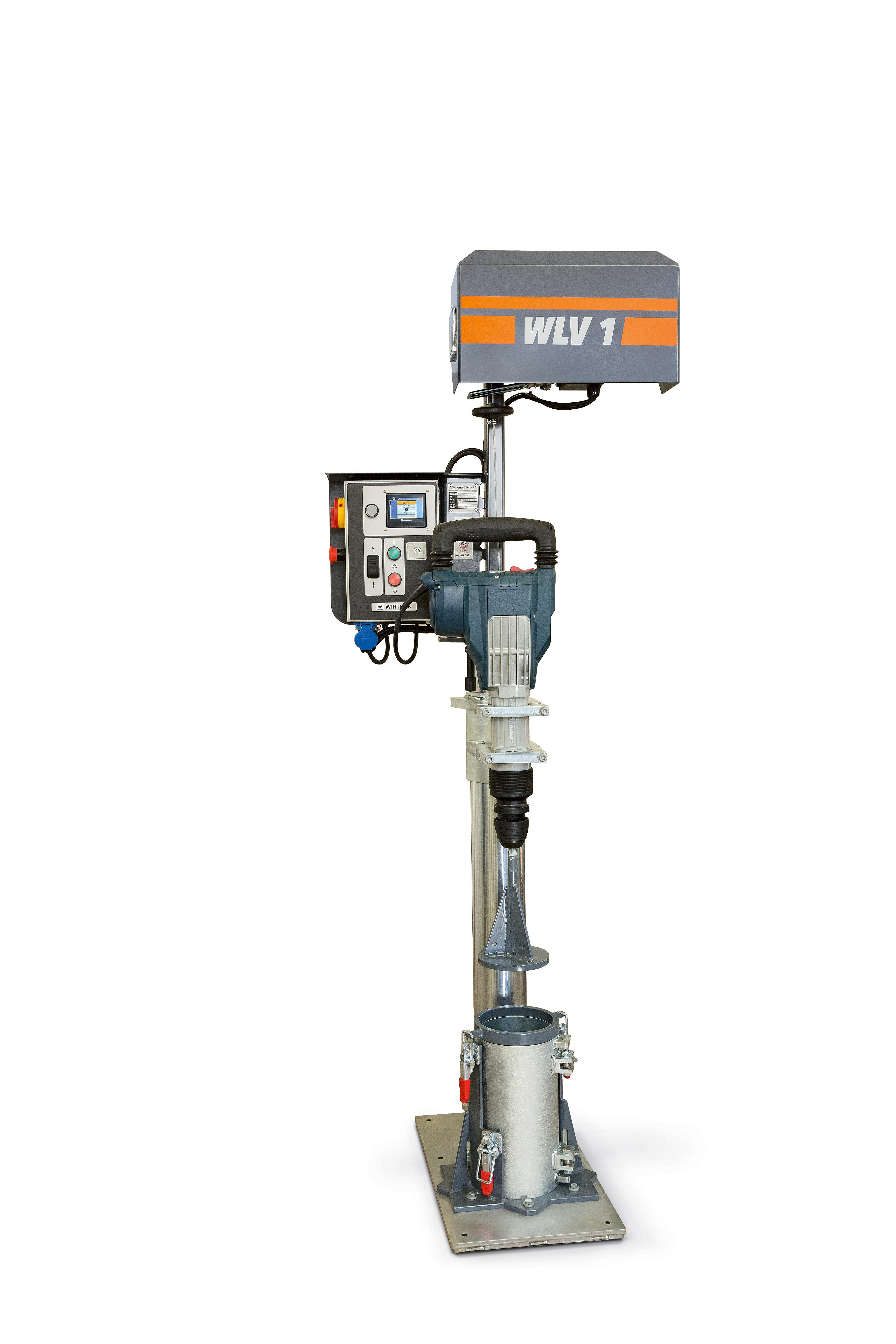 Der Wirtgen WLV 1 wurde speziell für das Verdichtungsverfahren von Kaltrecycling-mischgut entwickelt. Anhand der mit dem Laborverdichter hergestellten Probekörper wird die ideale Zusammensetzung des Mischguts bestimmt sowie wichtige Materialeigenschaften ermittelt.